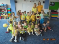 Dzień żółty - zabawa taneczna. Zdjęcia wspólne. 18.07.2018