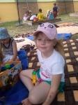 Wakacyjne zabawy w ogródku przedszkolnym